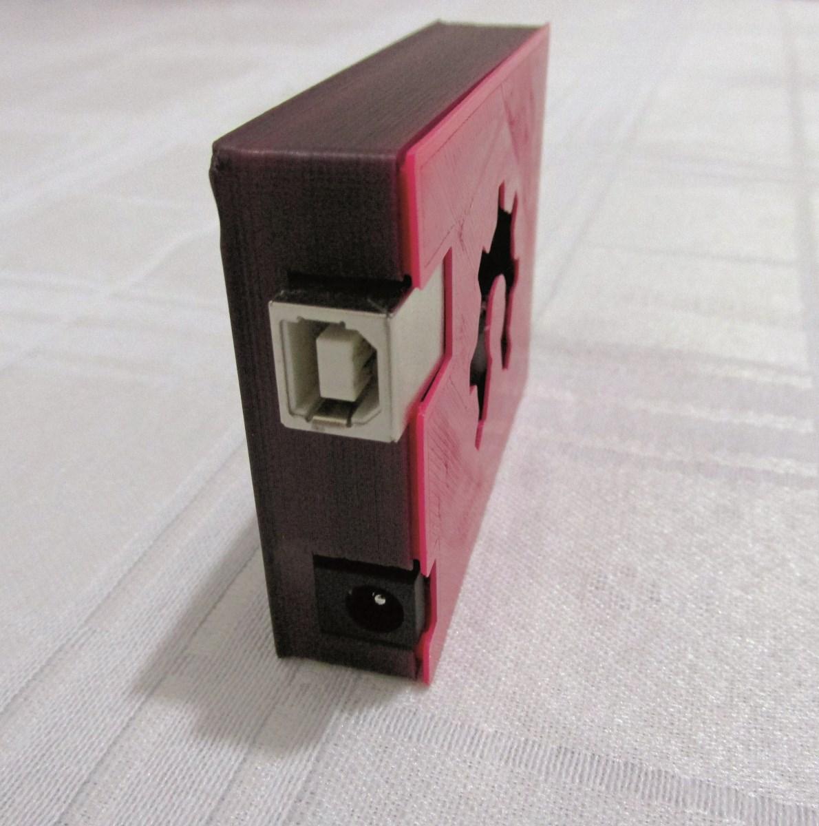 Plástico Moderno, Caixa para eletrônicos feita com filamentos fundidos de ABS pela Printgreen 3D