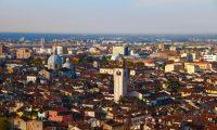 Plástico Moderno - Cidade de Modena – Sede da Doteco SpA ©QD Foto: iStockPhoto